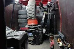 A Bobcat gumi a mobil gumiszerviz autóban